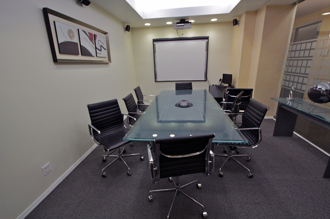 fully equipped conference rooms